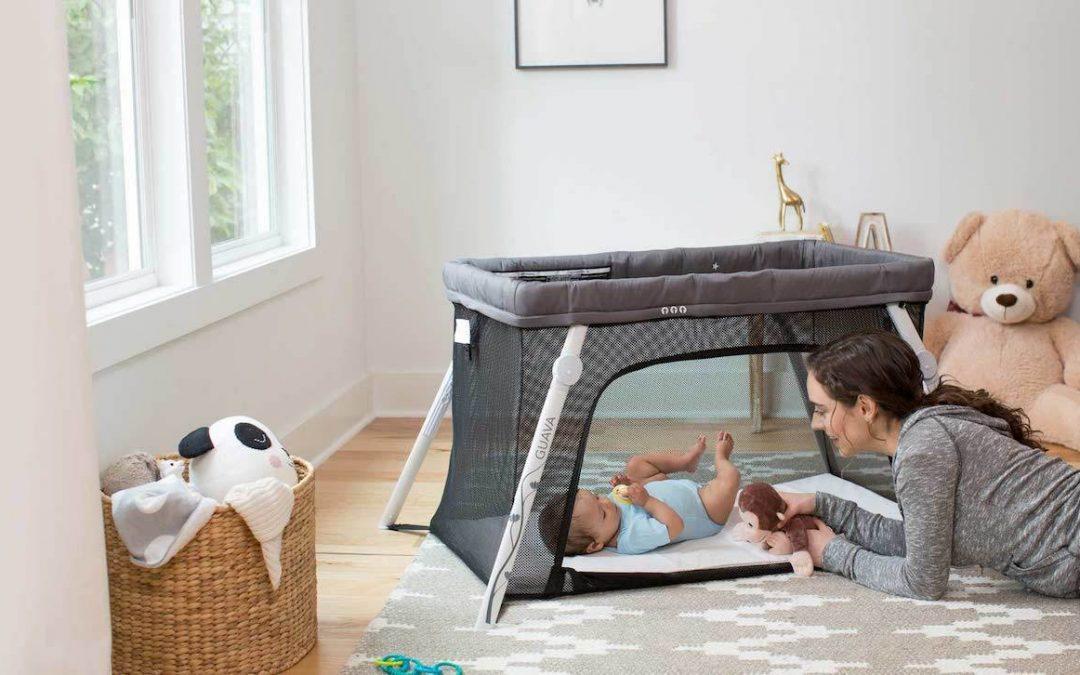 À partir de quel âge peut-on mettre  bébé dans un lit parapluie ?